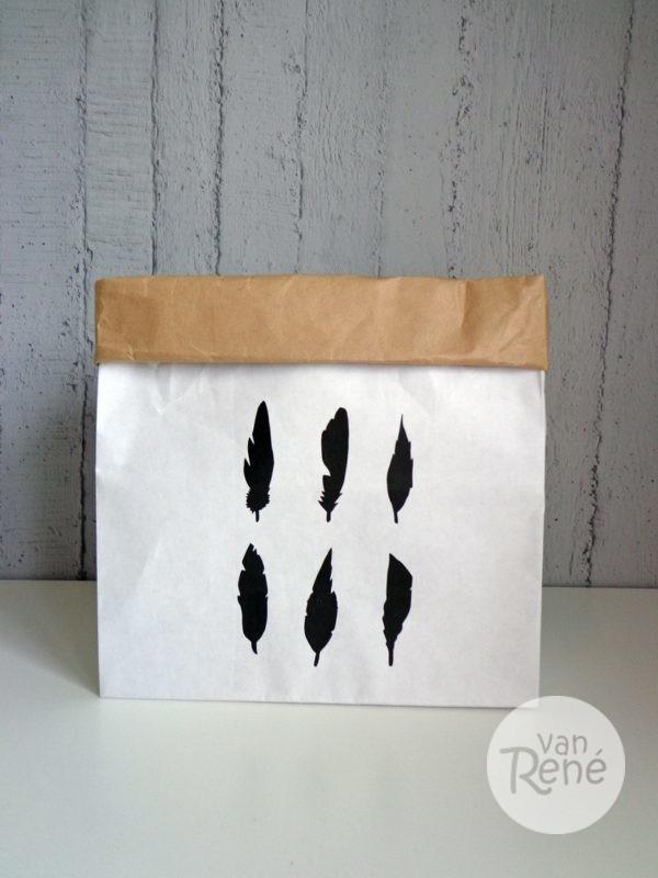 Van René Veren Small Zwart Paper Bag